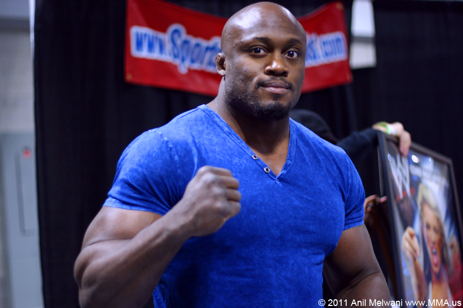 The 40-year old son of father (?) and mother(?), 187 cm tall Bobby Lashley in 2017 photo
