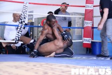 underground-combat-league-february-10-2013-28-mike-brown-vs-rashad-clarke