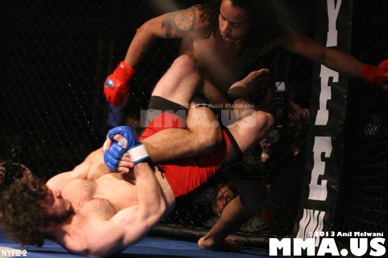 01 - Fight 1 - Robert Diggle vs. Uniah Banks