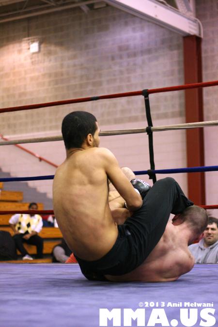 60 - Jonathan Velez vs. Brad Bateman - Underground Combat League February 2014