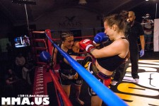 Muay Thai - Tiffany Cass vs. Prarie Rugilo