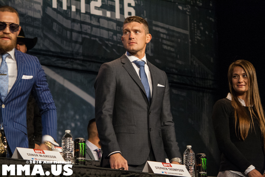 06-stephen-wonderboy-thompson-mcgregor-ufc-205-press-conference-madison-square-garden